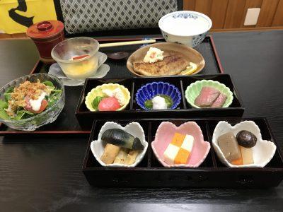 アルプスサーモンのランチと飯島町産松茸